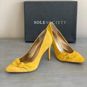 Sole Society Mustard Bowknot Heels